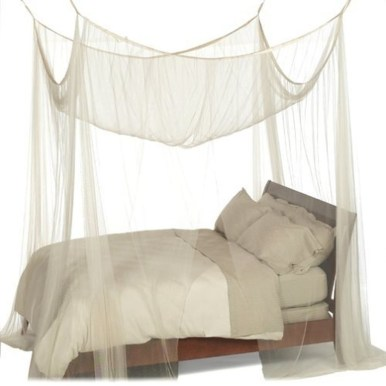Awesome Canopy Bed With Sparkling Lights Decor Ideas 36