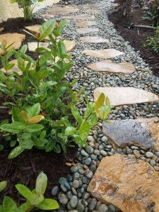 Stylish Stepping Stone Pathway Décor Ideas 03
