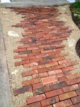 Stylish Stepping Stone Pathway Décor Ideas 16