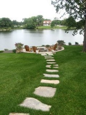 Stylish Stepping Stone Pathway Décor Ideas 24