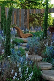 Stylish Stepping Stone Pathway Décor Ideas 28