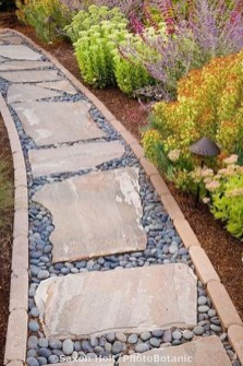 Stylish Stepping Stone Pathway Décor Ideas 29
