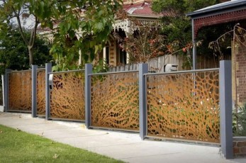 Totally Inspiring Front Yard Fence Remodel Ideas 27