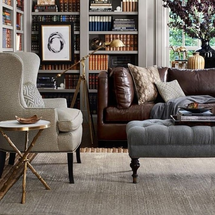 Beautiful Leather Couch Decorating Ideas For Living Room40