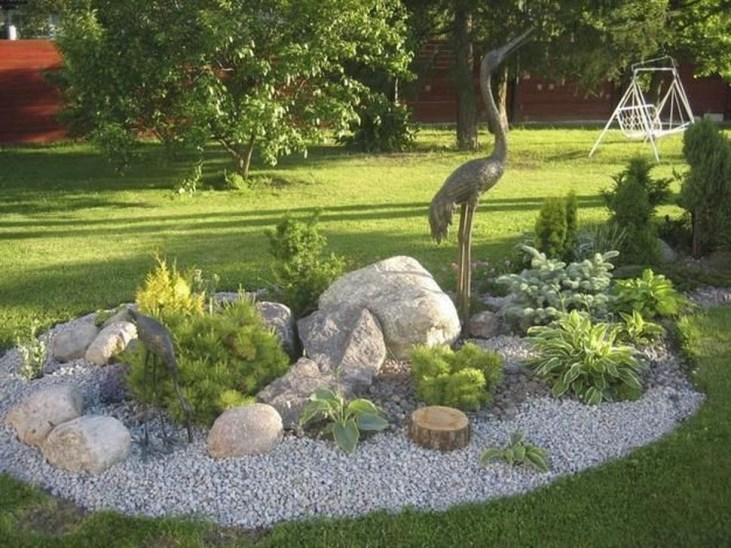 Comfy And Unique Garden Decor Ideas 35