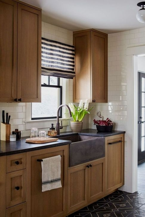 Modern Rustic Farmhouse Kitchen Cabinets Ideas 14