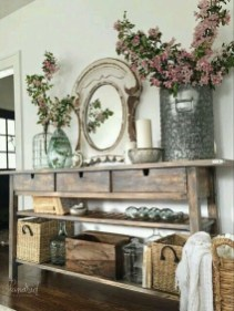 Stunning Farmhouse Entryway Decoration Ideas 29
