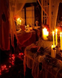 Amazing Halloween Black Decor Ideas To Scary Party Ever 35