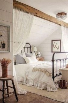 Stunning Bedroom Design And Decor Ideas With Farmhouse Style19