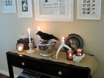 Stylish Console Table For Halloween Ideas 13