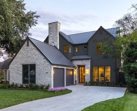 Brilliant Modern Farmhouse Exterior Design Ideas43