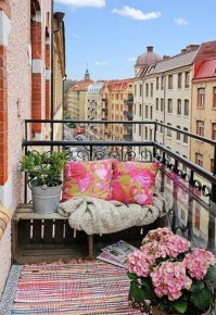 Unique Apartment Balcony Design And Decor Ideas29