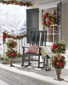 Lovely Christmas Porch Makeover Ideas02