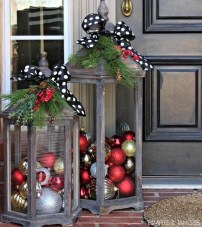 Lovely Christmas Porch Makeover Ideas07