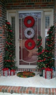 Lovely Christmas Porch Makeover Ideas13