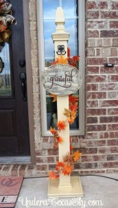 Lovely Christmas Porch Makeover Ideas24