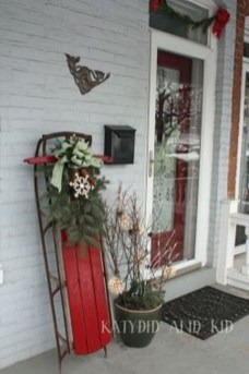 Lovely Christmas Porch Makeover Ideas29