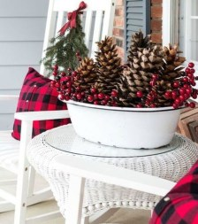 Lovely Christmas Porch Makeover Ideas32