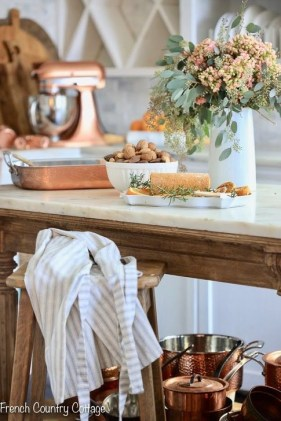 Popular French Country Kitchen Decoration Ideas For Home34