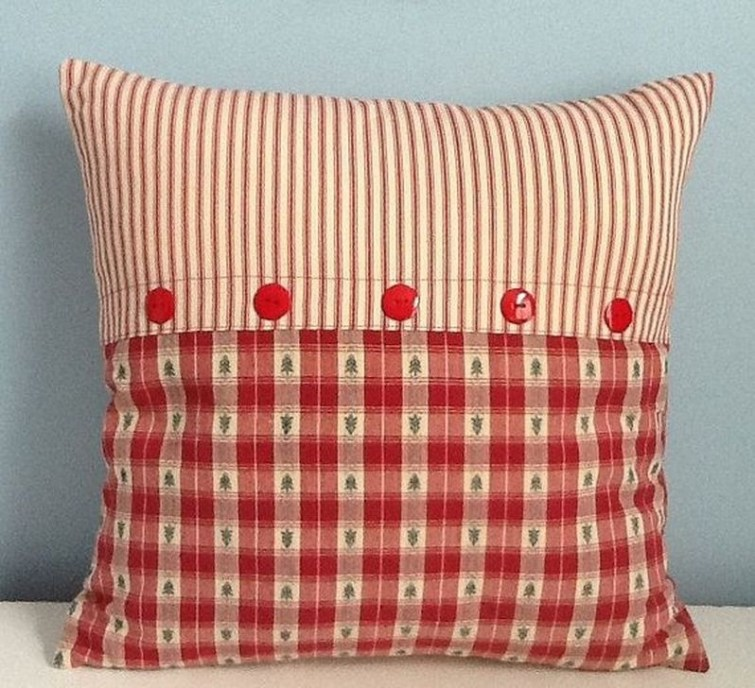 Stunning Red Christmas Pillow Design Ideas09