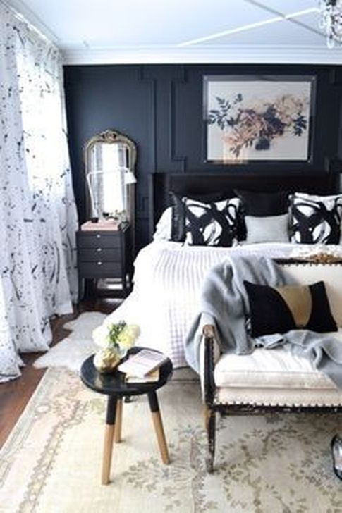 Stunning White Black Bedroom Decoration Ideas For Romantic Couples24