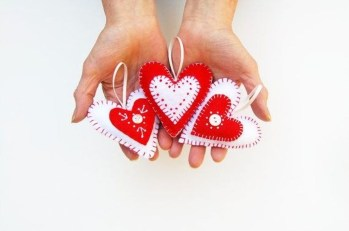 Cheap Diy Ornaments Ideas For Valentines Day34