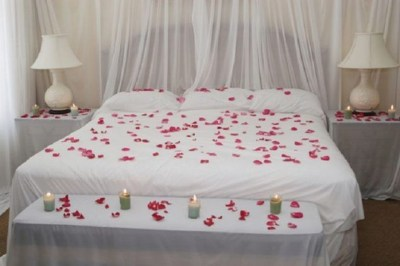 Cute Valentine Bedroom Decor Ideas For Couples24