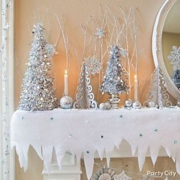 Perfect White Christmas Decoration Ideas04