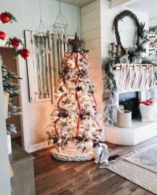 Perfect White Christmas Decoration Ideas09