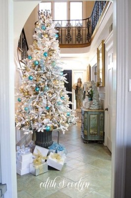 Perfect White Christmas Decoration Ideas10