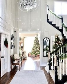 Perfect White Christmas Decoration Ideas13
