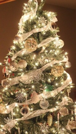 Perfect White Christmas Decoration Ideas18