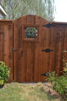 Stylish Wooden Privacy Fence Patio Backyard Landscaping Ideas08
