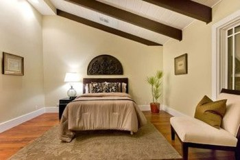 Amazing Living Rooms Design Ideas With Exposed Wooden Beams 20