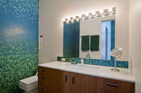 Catchy Bathroom Mosaics Design Ideas 07