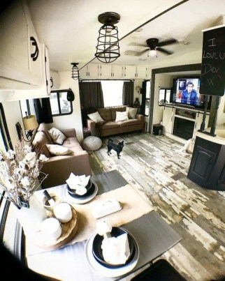 Splendid Rv Camper Remodel Ideas 40