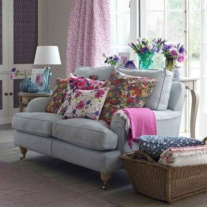 Rustic Living Room Decoration Ideas With Some Ornament 41