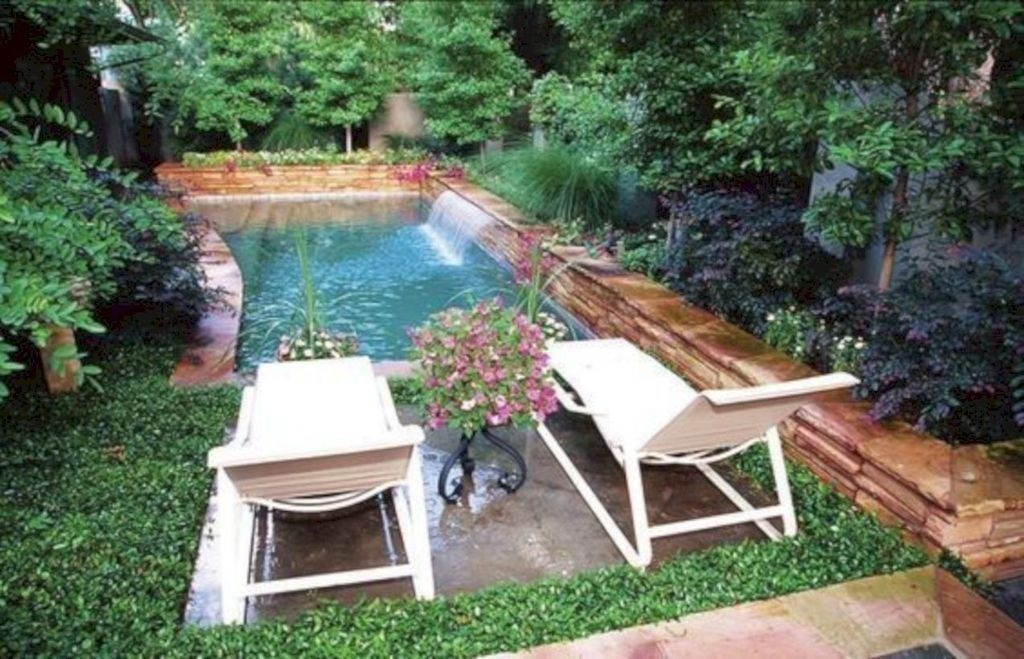 Comfy Backyard Designs Ideas With Swimming Pool Looks Cool 24