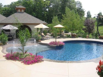 Creative Swimming Pools Design Ideas For Your Yard 15