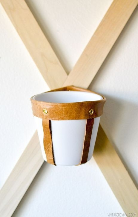 Fascinating Diy Wood And Leather Trellis Plant Ideas For Wall To Try 32
