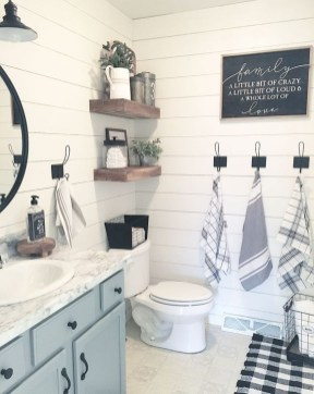 Lovely Farmhouse Bathroom Makeover Ideas To Try Right Now 07