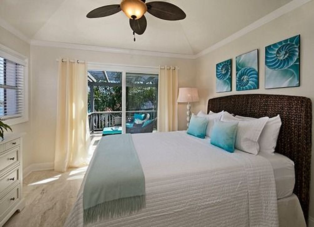 Favored Bedroom Design Ideas With Beach Themes 07