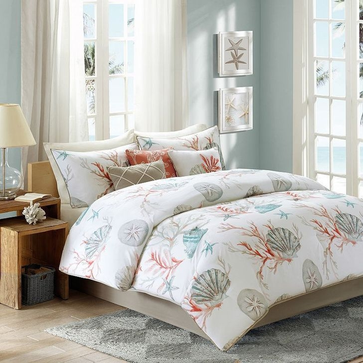 Favored Bedroom Design Ideas With Beach Themes 23