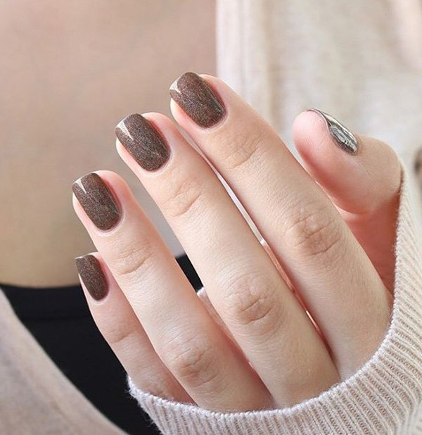 Brown-nail-art-for-winter