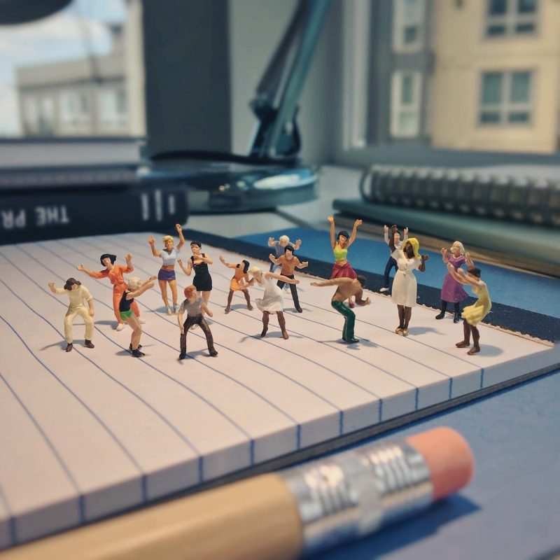 Derrick Lin Turn His Office Life With Miniature Figures 11