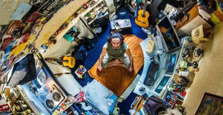 15 Images Showing The Different Rooms of People Around The World