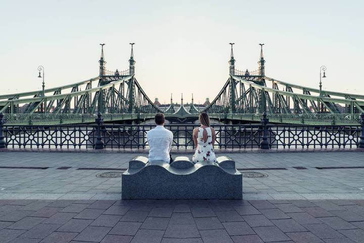 beauty-symmetrical-pictures-of-a-couple-9