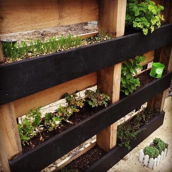 pallet planter vertical garden DIY Pallet Vertical Herb Garden: Hanging Planter | 99 Pallets