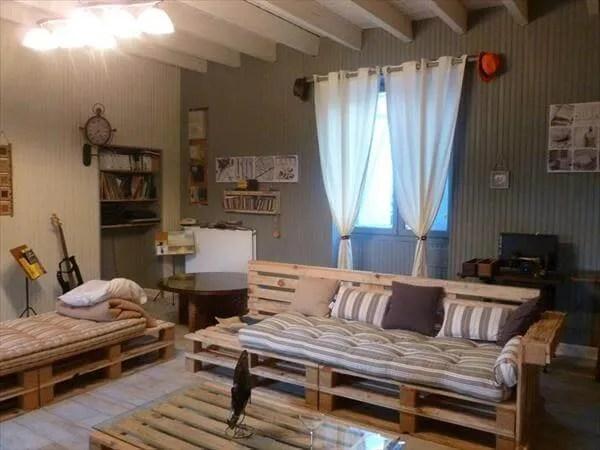 DIY Pallet Living Room Sitting Furniture Plans on Pallet Room Ideas  id=49769