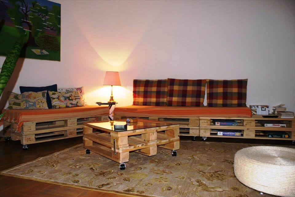 Pallet Sofa and Coffee Table for Living room | 99 Pallets on Pallet Room  id=95005